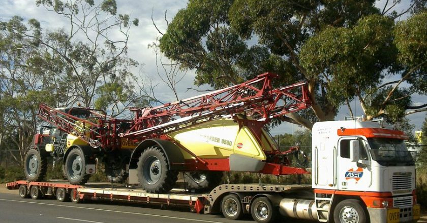 Trailers to Minimise Size and Weight