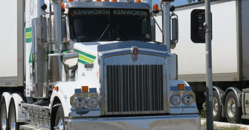 truck drivers entering SA to record all close contacts for 14 days