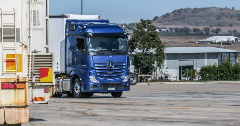 ideal B-double prime mover from Benz